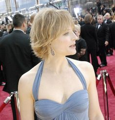 Jody Foster with short layered hairstyle with side swept short bang