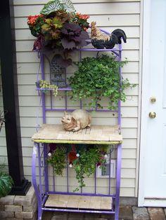 painted bakers rack | Bakers Rack- paint. Use wine rack for vines