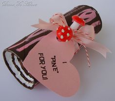 Valentine Candy containers re purposed tissue rolls from Decor To Adore.