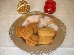 kourkoumpinoi-xiou Christmas Sweets, Pancakes, French Toast, Cheese, Cookies, Meat, Breakfast, Desserts, Recipes