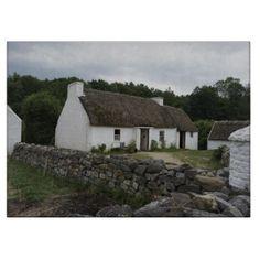 Irish Farm Cutting Board Cottage In The Woods, Cottage Chic, Cottage Living, Cottage Homes, Cottage Floor Plans, House Plans, Irish Images, Irish Cottage, Medieval World