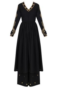 black kalidaar anarkali kurta in mangalgiri cotton base with zari leaves embroidery on the neck and sleeves. It is paired with black mangalgiri cotton zari embroidered palazzo pants.