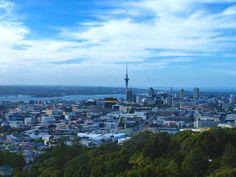 Bienvenue sur le blog de Chill and Vadrouille ! Nous avons visité Auckland en 3 jours et cet article résume les coins sympas de la ville...