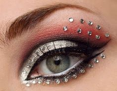 This is so pretty! I want to do something with rhinestones for competition if nothing else...