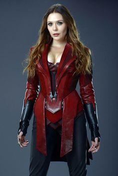 """[#Cine] """"AVENGERS: INFINITY WAR"""" Llegan unas imágenes no antes vistas de la actriz Elizabeth Olsen caracterizada como Wanda la Bruja Escarlata.  Esta versión es algo más cercana a los cómics. #NeerksTV"""