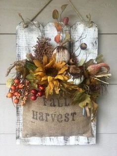 Details about Wall hanging Fall Floral Arrangement repurposed wood burlap handmade pumpkins Wall han Fall Crafts, Holiday Crafts, Diy And Crafts, Fall Halloween, Halloween Crafts, Fall Floral Arrangements, Decoration Plante, Fall Projects, Wood Projects
