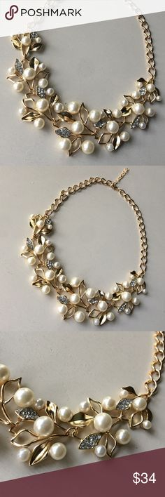 ✨Pearl + Gold Bling Leaf Statement Necklace✨ ✨Pearl + Gold Bling Leaf Statement Necklace✨ Brand new boutique beauty! ✨ ✨Gold plated leaf motif ✨ Pretty pearls + diamond glass gems✨Adjustable gold plated chain✨Classic style and work appropriate Jewelry Necklaces