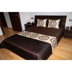 Luxusní přehozy na postel v hnědé barvě s kruhy - dumdekorace.cz Ottoman, Chair, Furniture, Bed Sheets, Design, Home Decor, Pillows, Luxury, Decoration Home