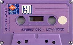 Shades of Purple Casette Tapes, Vhs Cassette, Serie Stranger Things, Tapas, Magnetic Tape, Baby Boomer, Tape Recorder, Nintendo, Safari Party
