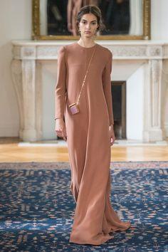 "prada-milahno: "" Valentino Spring 2017 Ready-to-wear "" School Fashion, Fashion Week, Fashion Show, Fashion Design, Paris Fashion, Modest Fashion, Hijab Fashion, Fashion Outfits, Womens Fashion"