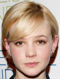 medium hair styles with bangs carey mulligan talks at nyt event with fianc 233 2462