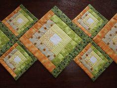Caminho de mesa patchwork estruturado com manta acrílica R1 e tecidos 100% algodão. Cores a combinar.