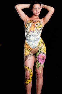 Em parceria com o artista Madison, procuramos modelos para pintura corporal e fotografia para divulgação do trabalho no Brazil e no exterior