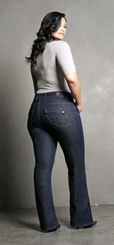 BECAUSE CURVINESS IS BEAUTIFUL!! ♥ Love these jeans!