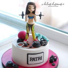 Tarta especial para Patricia, una mujer que espera un hijo y que se mantiene en forma a pesar del embarazo Fondant Cakes, Cupcake Cakes, Fitness Cake, Gym Cake, Royal Cakes, Occasion Cakes, Girl Cakes, Themed Cakes, Amazing Cakes