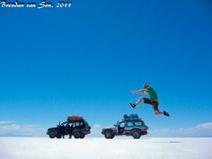 Some fun salt flat photos from one of the flattest places on earth the Salar de Uyuni, in central Bolivia. Forced Perspective Photography, Uyuni Bolivia, Creative Photography, Photography Ideas, South America, Latin America, Funny Photos, Illusions, The Good Place