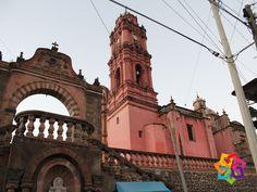 """MICHOACÁN MÁGICO. Al noreste de Michoacán podemos encontrar el Pueblo Mágico; Tlalpujahua, llamado así por dos palabras """"Tlalli"""" que significa tierra y """"Poxohuac"""" tierra esponjosa, que juntas se interpreta como hermosa región en las montañas. No pierda la oportunidad de conocer este pueblo mágico y maravilloso. AG HOTEL http://www.aghotel.com.mx"""