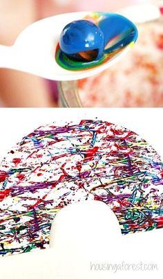Simple preschool art projects your kids will love ~ marble painting rainbow craft Preschool Art Projects, Art Activities For Kids, Holiday Activities, Preschool Crafts, Preschool Literacy, Indoor Activities, Painting For Kids, Art For Kids, Crafts For Kids