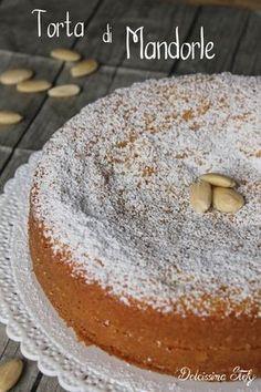 una torta di mandorle soffice e senza burro