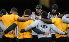 Eben Etzebeth Photos - Springboks captain Eben Etzebeth speaks to his team during South Africa training ahead of their match against Wales at Principality Stadium on December 1, 2017 in Cardiff, Wales. - South Africa Captain's Run