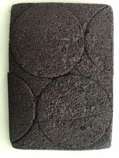 Meet my Chocolate Cherry Pie Cake! Layers of chocolate cake, chocolate ganache, cherry filling, pie crumbs, and mascarpone frosting. Pie Cake, Brownie Cake, Brownies, Chocolate Cherry, Chocolate Ganache, Circle Cake, Black Forest Cake, Momofuku, Dessert Decoration