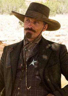 "Viggo Mortensen in the western movie ""Appaloosa"" Western Film, Great Western, Western Movies, Western Hats, O Cowboy, Cowboy Girl, Cowboy Hats, Cowboys & Aliens, Cowboys And Indians"
