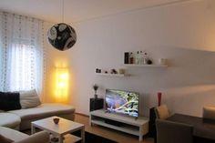 Bitte teilen! Möbiliertes 12qm Zimmer + schöner Wohnzimmer in, zentral - Wohnung in Stuttgart-Stuttgart