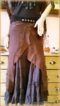 zipfelrock,asymetrisch lang Rock, Outfit, Skirts, Fashion, Middle Ages, Leather, Outfits, Moda, Skirt