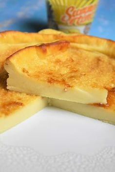 Cuajada with lemon – Spanish yoghurt flan - Quick and Easy Recipes Potato Stroganoff Recipe, Pudding Desserts, Dessert Recipes, Flan Dessert, Ground Beef And Potatoes, Mousse, Pie Crumble, Fondant, Dinner With Ground Beef