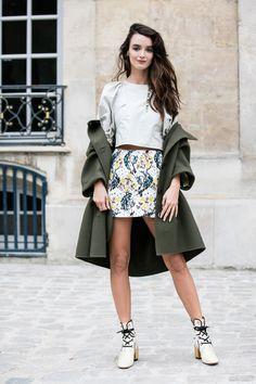 Street style à la Fashion Week printemps-été 2017 de Paris                                                                                                                                                                                 Plus