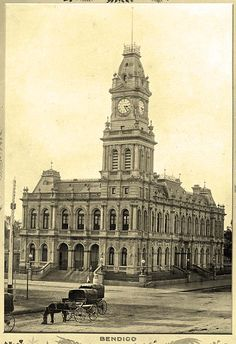 Bendigo Post Office in Victoria in 🌹 Vintage Architecture, Australian Architecture, Urban Architecture, Historical Architecture, Melbourne Victoria, Victoria Australia, Old Pictures, Old Photos, Amazing Pictures