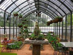 """Babylonstoren"" Afrique du Sud Greenhouse Restaurant, Picnic Style, Greenhouse Gardening, Garden Structures, Growing Plants, Atrium, Conservatory, Image, Gardens"