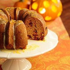 Pumpkin Cake with Dried Cranberries Recipe - KitchenDaily