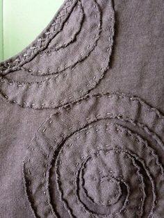 Alabama Chanin fitted top....reépinglé par Maurie Daboux ❥•*`*•❥