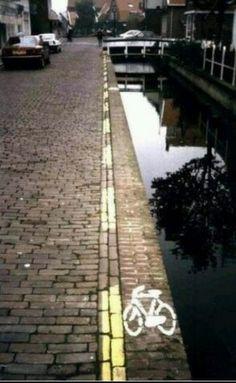 Ik weet niet of ik gebruik zou maken van de fietsstrook! ☺