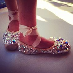 InStyle spotted these sweet feet at Clover Canyon. Pointe Shoes, Ballet Shoes, Toe Shoes, Dance It Out, Clover Canyon, Jeweled Sandals, Ballet Tutu, Ballet Costumes, Walk This Way