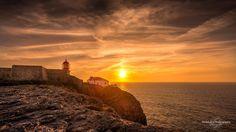 The Last Watchtower #portugal #algarve #sagres #cabodesaovicente #sunset #pordosol #farol #lighthouse #atlanticocean #sunset_madness #sunsets #portugaldenorteasul #portugalframes #portugal_em_fotos #portugal_de_sonho #portugal_lovers #portugalalive