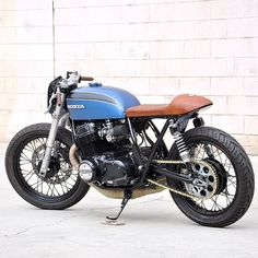 | Epicurialist | seaweedandgravel:  Babe Blue always puts a smile on my face. #cb750 built by @imfreakinugly