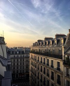 sky in Paris Oh The Places You'll Go, Places To Travel, Places To Visit, City Aesthetic, Travel Aesthetic, Beautiful World, Beautiful Places, Couple Travel, Paris Ville