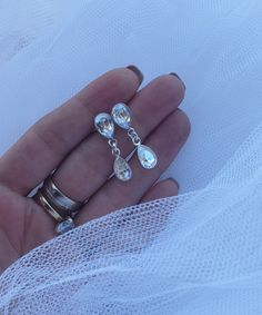Beautiful bridal earrings made with Swarovski Crystals @made by Lory Bijoux