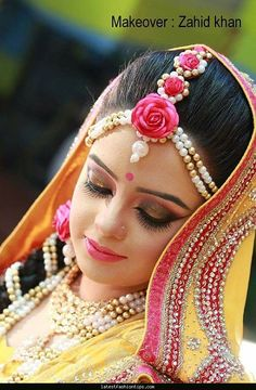 its a wow fact of bridal make over. Bridal Flowers, Flowers In Hair, Bridal Makup, Bridal Packages, Bridal Makeover, Bridal Tips, Asian Bridal, Indian Wedding Photography, Bride Look