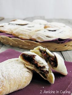 sfogliatella abruzzese di Villalfonsina Italian Cookies, Italian Desserts, Easy Desserts, Italian Recipes, Scones, My Favorite Food, Favorite Recipes, Biscotti Cookies, Christmas Sweets