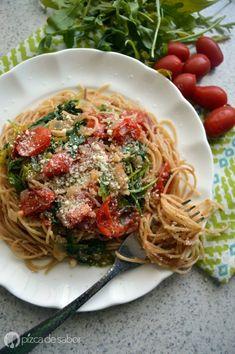 Pasta con tomate cherry y arúgula (rúcula) o espinaca |  pizcadesabor
