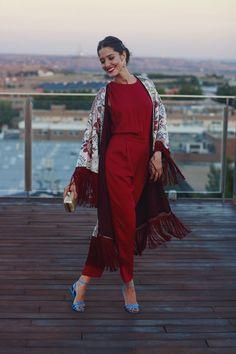 Invitada perfecta boda lowcost Zara otoño kimono mono jumpsuit Look Kimono, Kimono Outfit, Kimono Fashion, Boho Fashion, Fashion Dresses, Legging Outfits, Jumpsuit For Wedding Guest, Bohemian Mode, Classy Casual