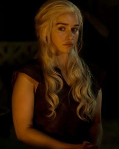 Game Of Thrones Dress, Long Hair Styles, Spade, Beauty, Daenerys Targaryen, Long Hairstyle, Long Haircuts, Long Hair Cuts, Beauty Illustration