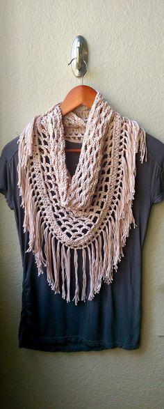 Hacer esta bufanda de flecos de ganchillo bohemio por excelencia con un  patrón de principiante- b2d7733d8928
