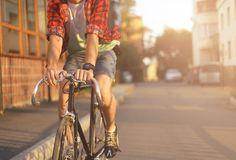 Desde las que te muestran rutas seguras, hasta las que te dicen cómo reparar tu bicicleta o primeros auxilios para cicilistas.