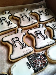Planning a pharmacy graduation party? Check out these cute cookie ideas!
