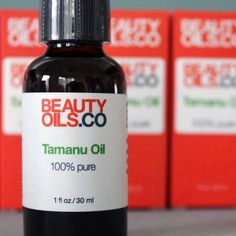 Hope you're having a magnificent Monday! We're starting the week off by bottling a new batch of Tamanu Oil - a pure wondrous oil with anti-inflammatory and anti-fungal properties! #beauty #skincare #naturalremedy #acne