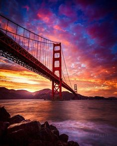Sunset over the Golden Gate Bridge, San Francisco, California Sunset Photography, Landscape Photography, Scenary Photography, Amazing Sunsets, Beautiful Sunrise, Jolie Photo, Beautiful Landscapes, Wonders Of The World, Beautiful Places